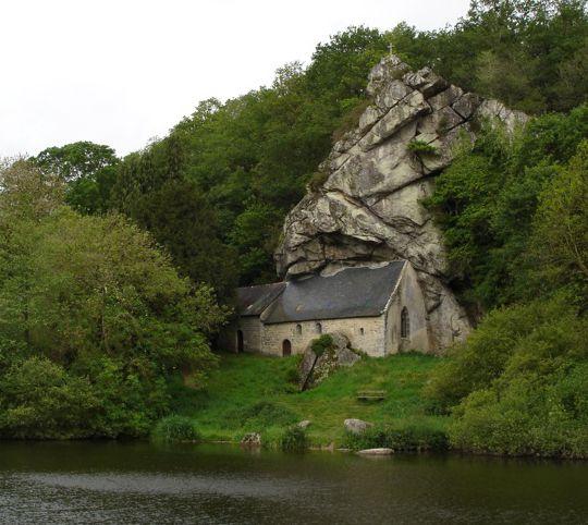 http://planbox.files.wordpress.com/2011/12/chapel-of-st-gildas-brittany-france.jpg